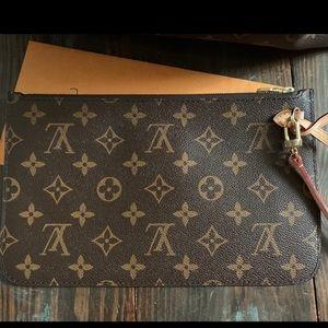 Louis Vuitton Bags - Louis Vuitton pouchette